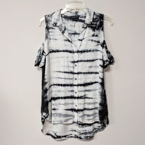 Rock & Republic | NWOT Cold Shoulder Tie Dye Tunic